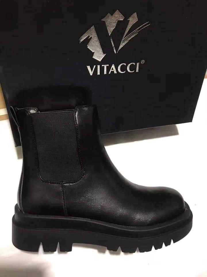 Vitacci-Түрүүтэй хар гутал