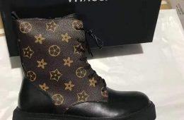 Vitacci-хээтэй түрүүтэй гутал