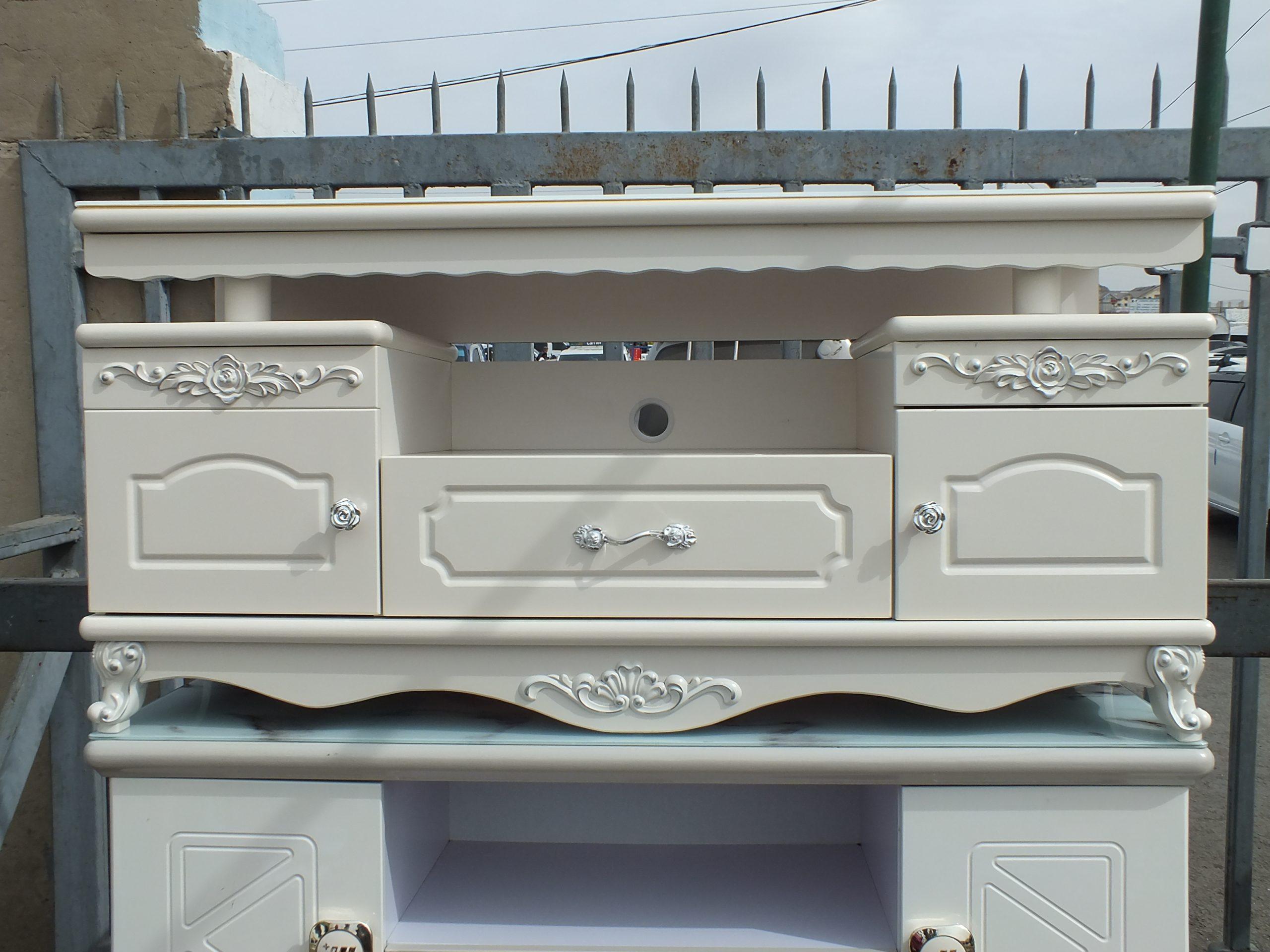 Classic загварын зурагтний тавиур